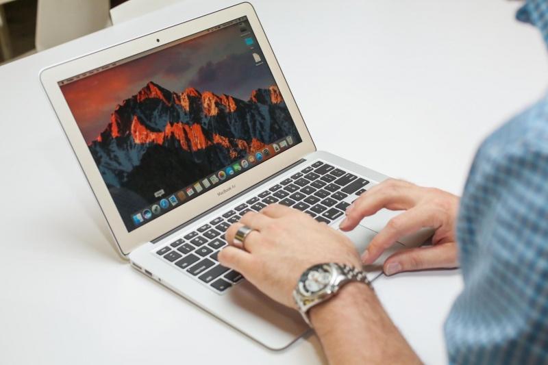 Macbook Air 13.3 inch 2017