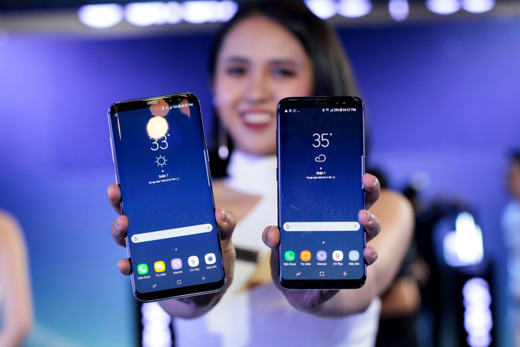 Anh thuc te Samsung Galaxy S8/S8+ va loat phu kien hap dan vua ve VN hinh anh 2