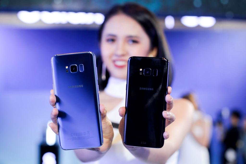 Anh thuc te Samsung Galaxy S8/S8+ va loat phu kien hap dan vua ve VN hinh anh 3