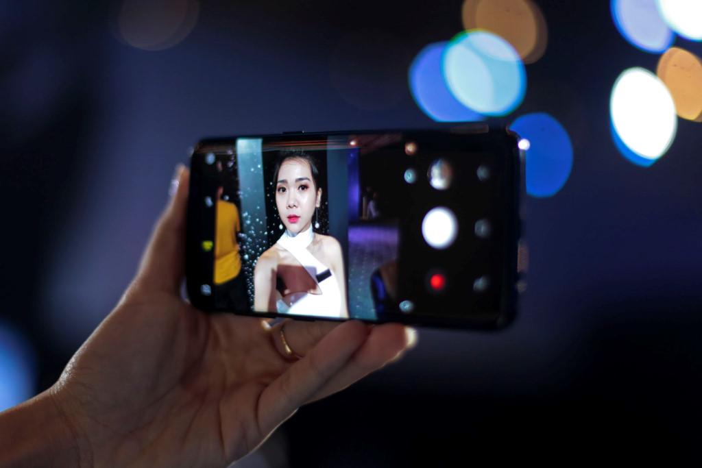 Anh thuc te Samsung Galaxy S8/S8+ va loat phu kien hap dan vua ve VN hinh anh 5