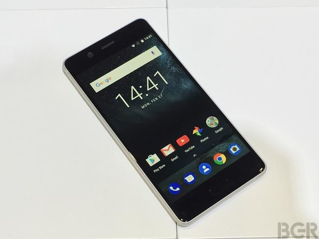 Cận cảnh mẫu điện thoại Nokia 5 vỏ kim loại nguyên khối