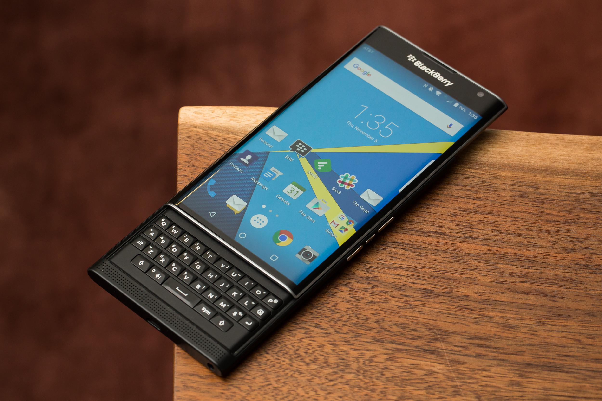 BlackBerry chính thức ngừng hỗ trợ Blackberry Priv hình 1