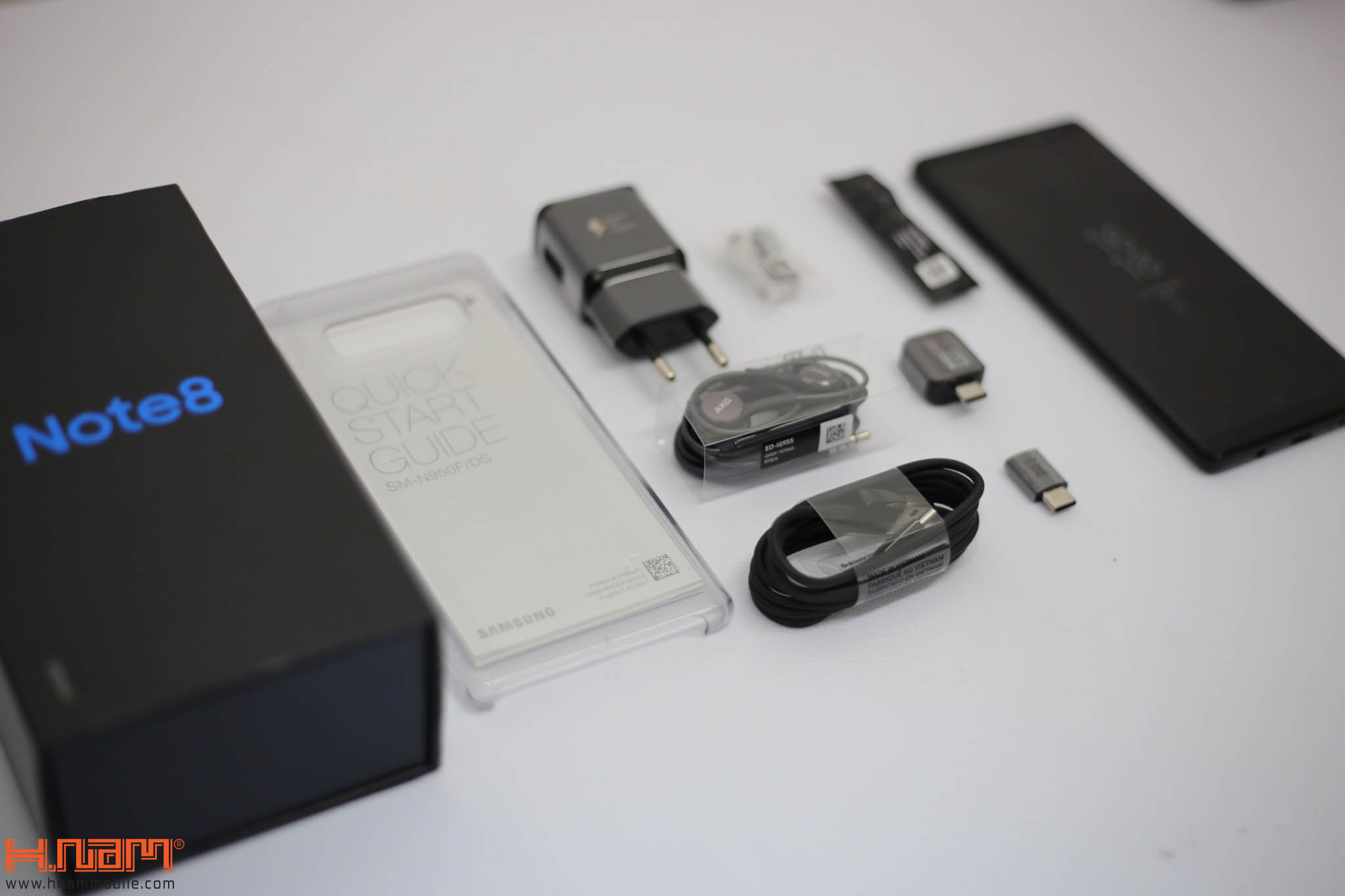 Đập hộp và trên tay Galaxy Note8 chính hãng tại Việt Nam hình 1