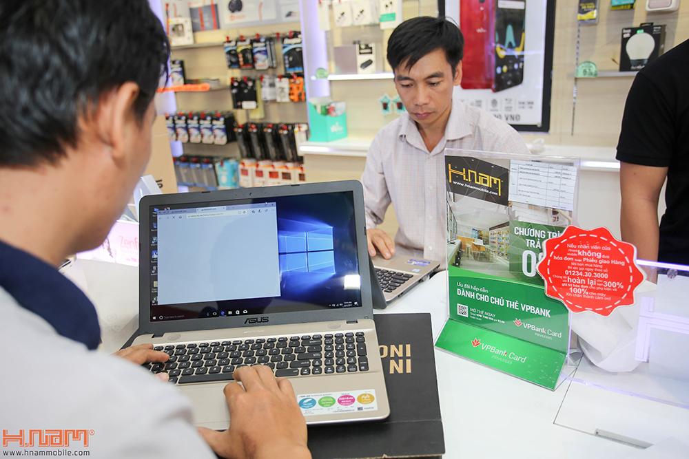 Trao thưởng 4 laptop Asus trị giá 45 triệu cho các khách hàng mua điện thoại Asus ZenFone 4 Max Pro hình 12