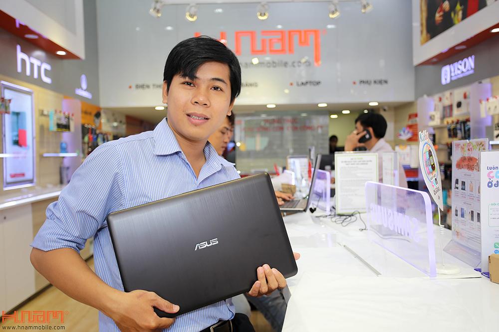 Trao thưởng 4 laptop Asus trị giá 45 triệu cho các khách hàng mua điện thoại Asus ZenFone 4 Max Pro hình 2