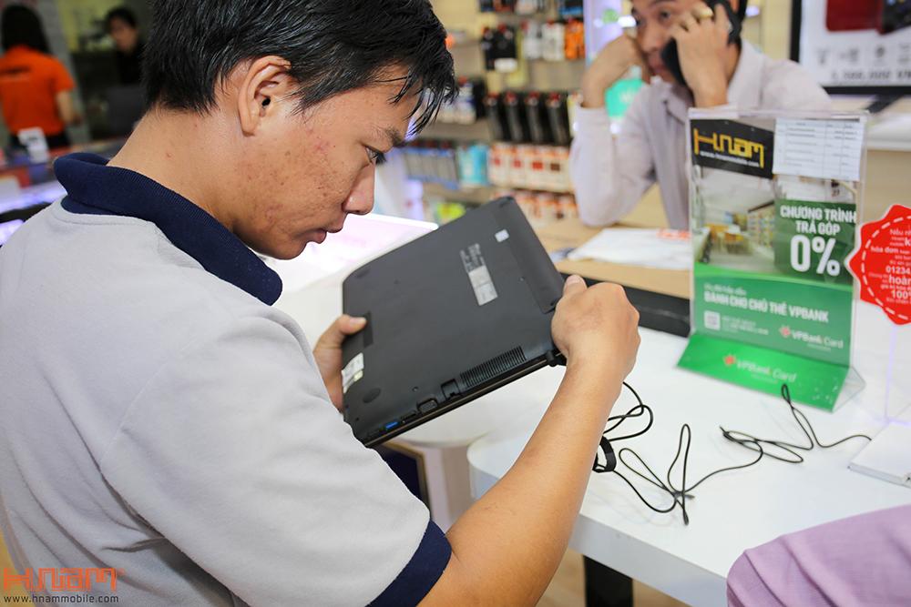 Trao thưởng 4 laptop Asus trị giá 45 triệu cho các khách hàng mua điện thoại Asus ZenFone 4 Max Pro hình 14
