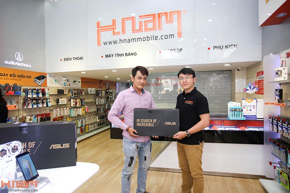 Trao thưởng 4 laptop Asus trị giá 45 triệu cho các khách hàng mua điện thoại Asus ZenFone 4 Max Pro hình 4