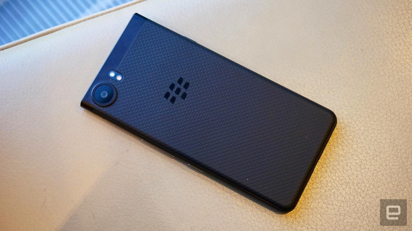[IFA 2017]- BlackBerry KEYone phiên bản màu đen xuất hiện, 4GB RAM hình 4