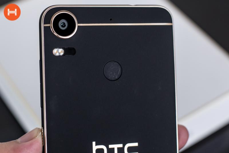Mở hộp HTC Desire 10 Pro: Thiết kế đậm chất HTC, có RAM 4GB, camera 20 chấm. Phân khúc giá tầm trung. hình 7