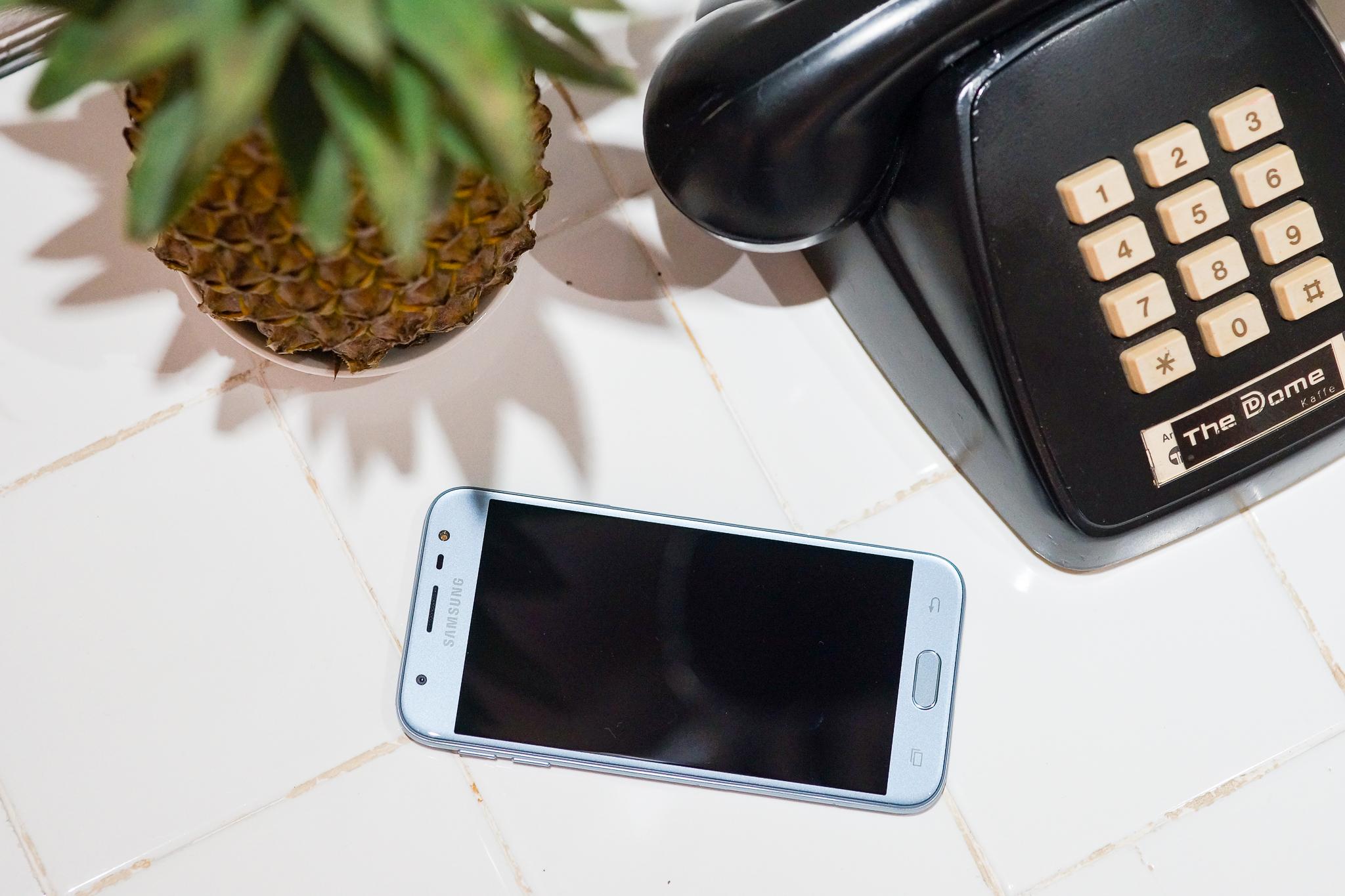 Samsung J3 Pro - Hình 1