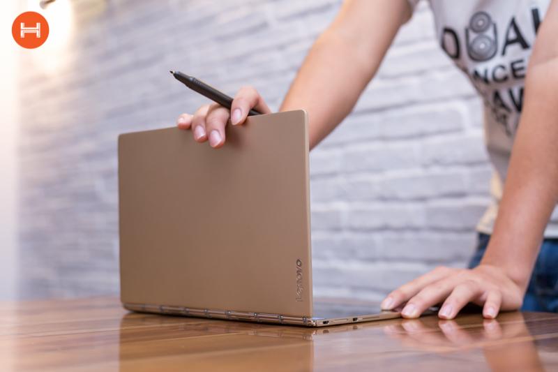 Mở hộp Lenovo Yoga Book: Thiết kế tablet lai laptop, bàn vẻ cảm ứng lực thích hợp cho họa sĩ. hình 24