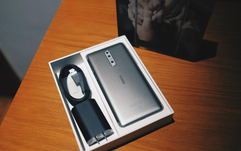 Đặt trước Nokia 8: giảm 2 triệu, tặng thêm pin dự phòng 1.2 triệu hình 5
