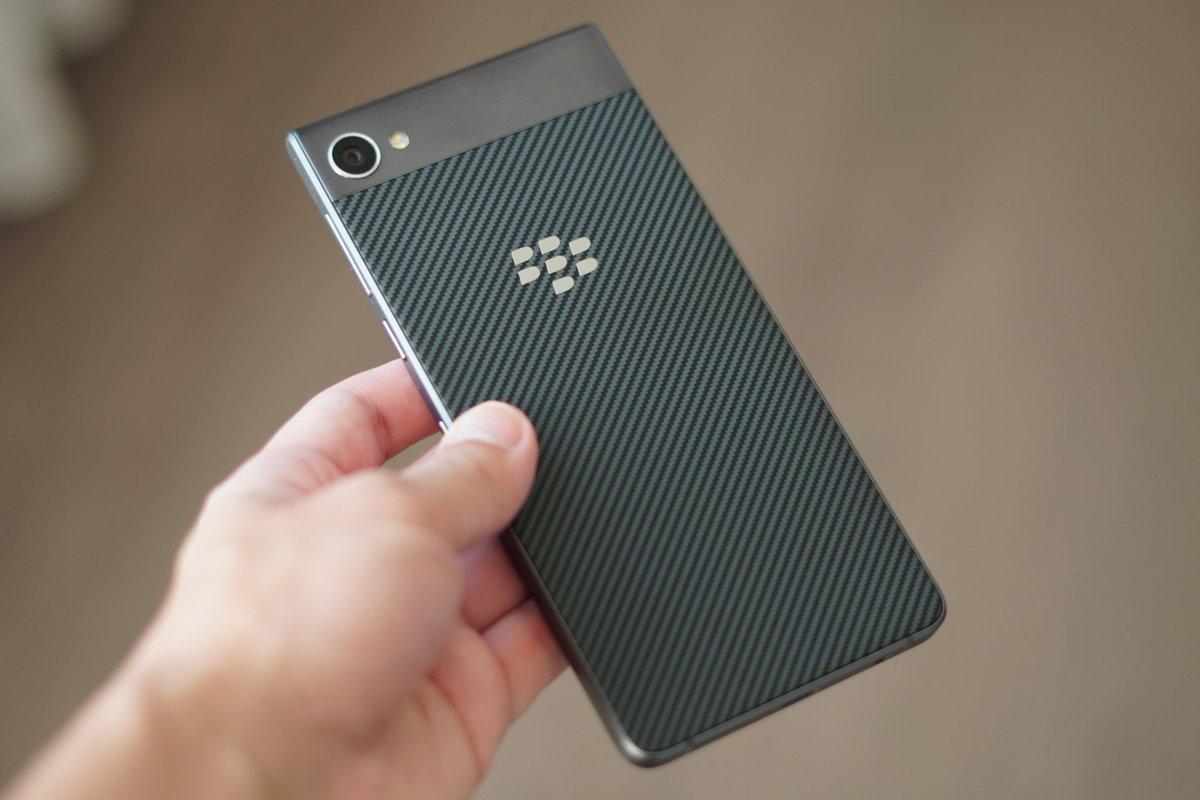 Blackberry bất ngờ ra mắt BlackBerry Motion: Màn hình 5.5 inch Full HD, pin 4000mAh, IP67, giá 460 USD hình 2