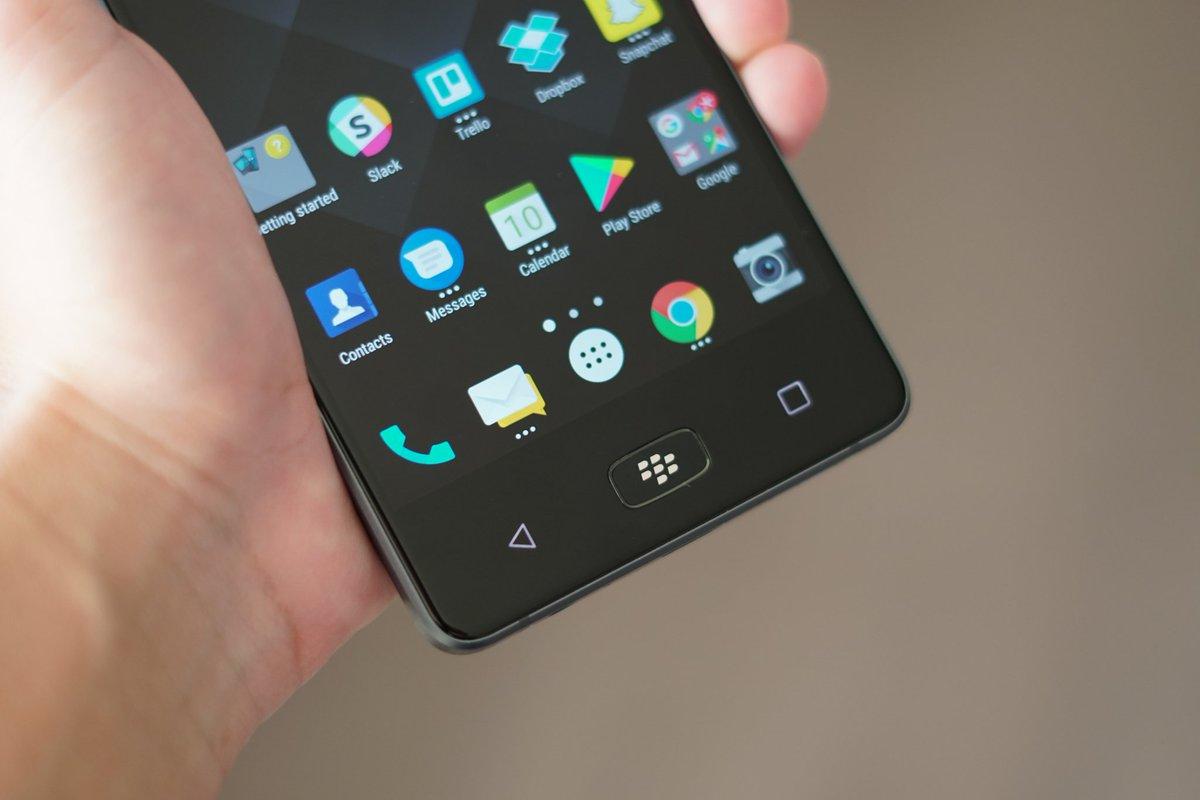 Blackberry bất ngờ ra mắt BlackBerry Motion: Màn hình 5.5 inch Full HD, pin 4000mAh, IP67, giá 460 USD hình 3