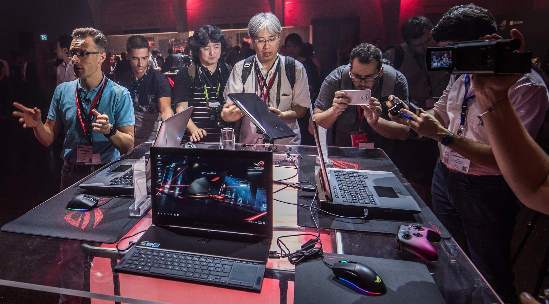 ASUS ROG giới thiệu một loạt các các sản phẩm gaming tại IFA 2017 hình 1