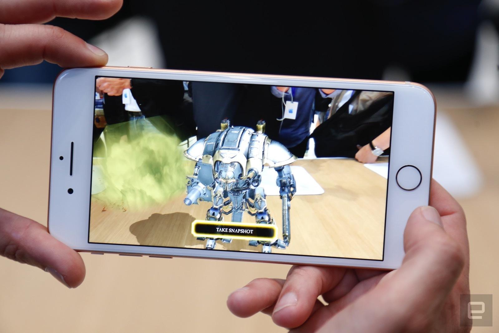 Trên tay iPhone 8 và 8 Plus: Thiết kế cũ nhưng trẻ trung hơn, cấu hình mạnh hơn hình 10