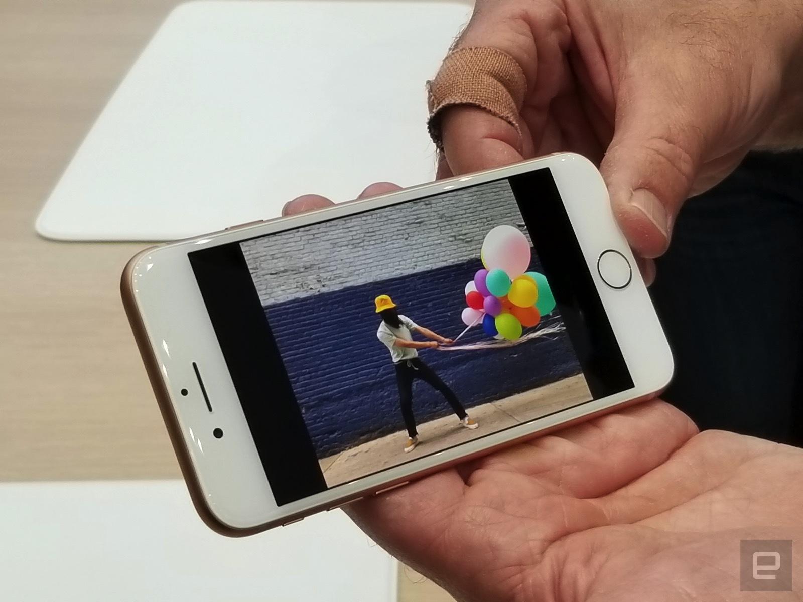 Trên tay iPhone 8 và 8 Plus: Thiết kế cũ nhưng trẻ trung hơn, cấu hình mạnh hơn hình 8