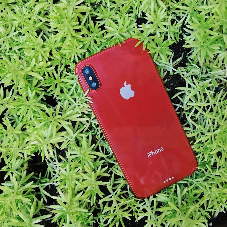 Trên tay mô hình và ốp lưng iPhone 8 màu đỏ tại Việt Nam hình 1
