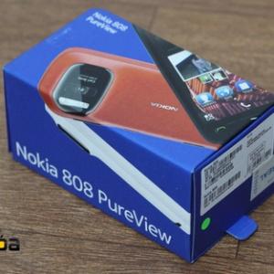 Ảnh Nokia 808 PureView đầu tiên về VN