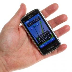 Ảnh thực tế Nokia C6-01