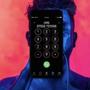 Apple iPhone 8 có thể vừa nghe nhạc, vừa sạc pin tiện lợi
