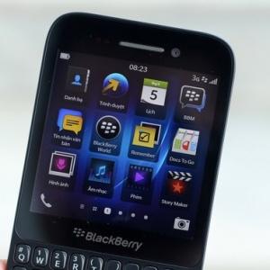 BlackBerry Q5 được bán sớm với giá hơn 400 USD