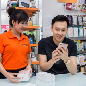 Ca sĩ Dương Triệu Vũ tậu iPhone 7 Plus đầu tiên tại Hnam Mobile