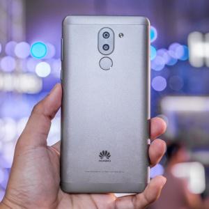 Cận cảnh Huawei GR5: Smartphone tầm trung có camera kép thời thượng.