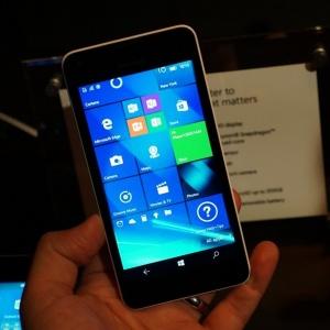 Điện thoại Nokia Lumia 550 có những ưu, nhược điểm gì?