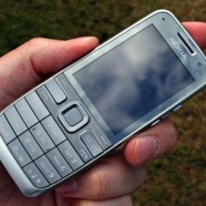 Đơn giản như Nokia E52