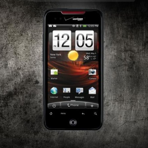 HTC Incredible đọ dáng cùng Nexus One và Motorola Droid