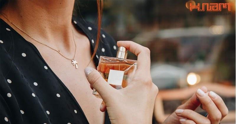 Cách xịt nước hoa đúng cách cho nữ