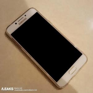 Mẫu điện thoại Samsung Galaxy C7 Pro bị lộ ảnh
