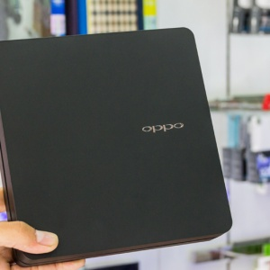 Mở hộp Oppo Find 7a tại Hnam Mobile