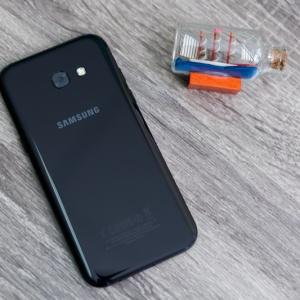 Mở hộp Samsung Galaxy A5 (2017): Test nước vẫn hoạt động tốt, Camera selfie 16