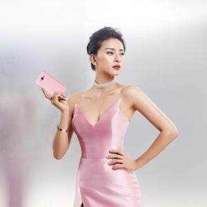 Ngô Thanh Vân là đại sứ thương hiệu điện thoại Asus Zenfone 3 Max 5.5 inch tại Việt Nam