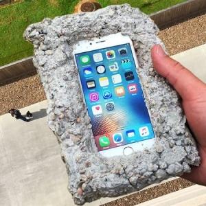 Những sai lầm khi sạc pin khiến iPhone của bạn 'chết' nhanh hơn