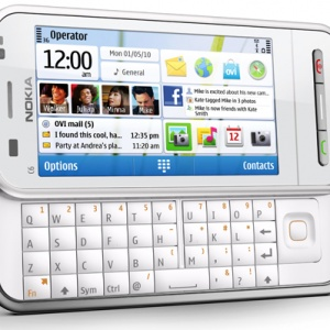 Nokia C6 là sự pha trộn N97 và 5230