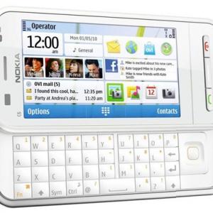 Nokia C6 với bàn phím QWERTY trượt