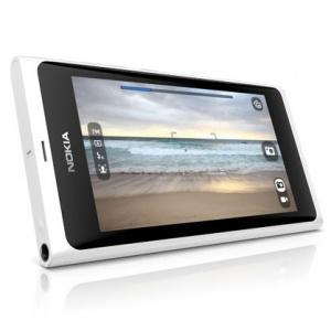 Nokia N9 màu trắng bắt đầu cho đặt hàng