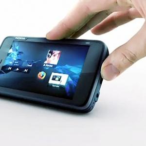Nokia N900 chính hãng tại VN giá 12,9 triệu đồng