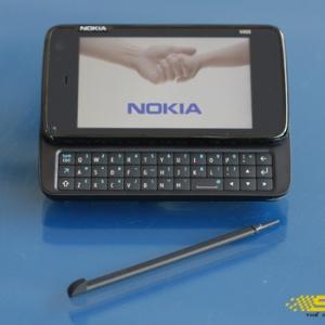 Nokia N900 mới chỉ bán được 100.000 máy