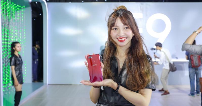 OPPO F9 ra mắt: Màn hình giọt nước, sạc nhanh VOOC, camera kép, giá 7.690.000 VNĐ