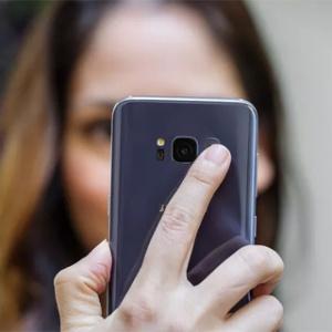 Samsungdự đoán bán ra 50 triệu điện thoại Samsung Galaxy S8 và S8+ năm nay