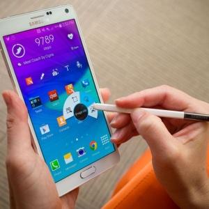 Samsung Galaxy Note 4 suýt bị thu hồi vì cài phần mềm của Note 7