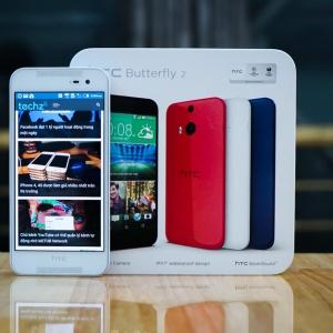 Trên tay HTC Butterfly 2 chính hãng - 'Bướm nhỏ' không sợ nước!