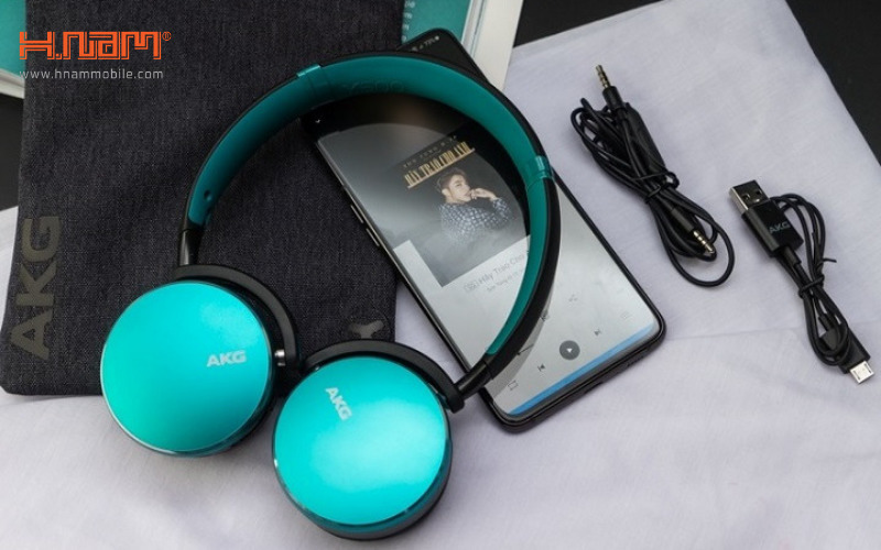 tai nghe không dây AKG Y500