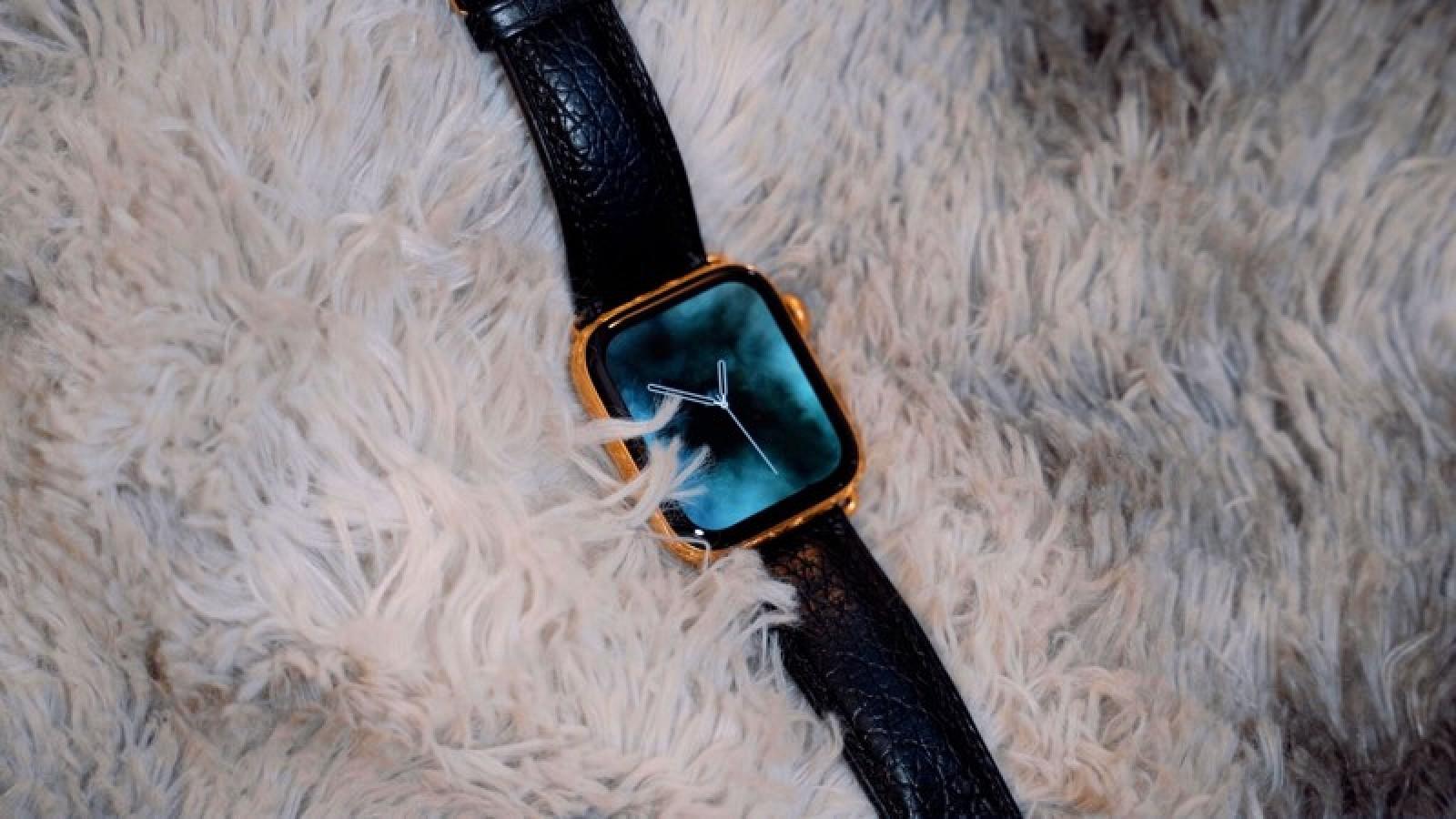 Chiêm ngưỡng Apple Watch Series 4 phiên bản mạ vàng có giá 2.200 USD hình 3