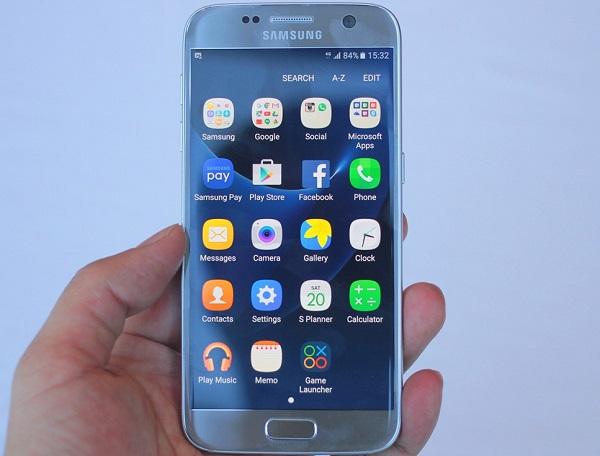 Bộ đôi điện thoại Samsung màn hình cong giá rẻ hình 1