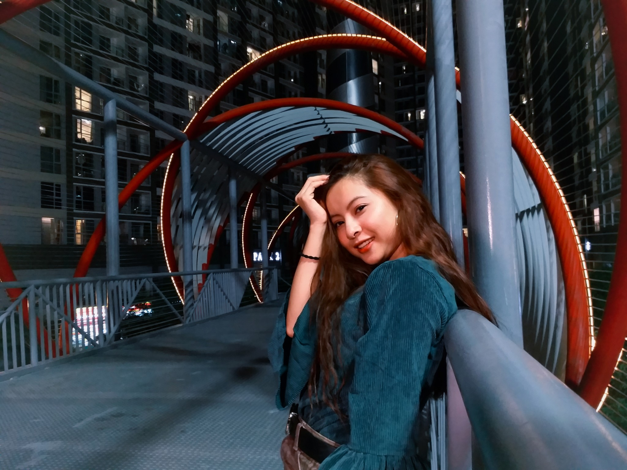 """Dạo chơi, ăn tối cùng cô bạn gái xinh xắn và những góc chụp giúp thần thánh giúp cô ấy """"mê mệt"""" hình 2"""